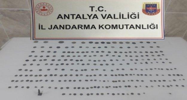 Alanya'da kaçak kazıya jandarma baskını: 15 gözaltı