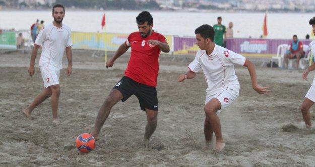 Alanya'da kumda futbol heyecanı başlıyor