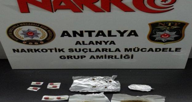 Alanya'da uyuşturucu operasyonu; 2 gözaltı var