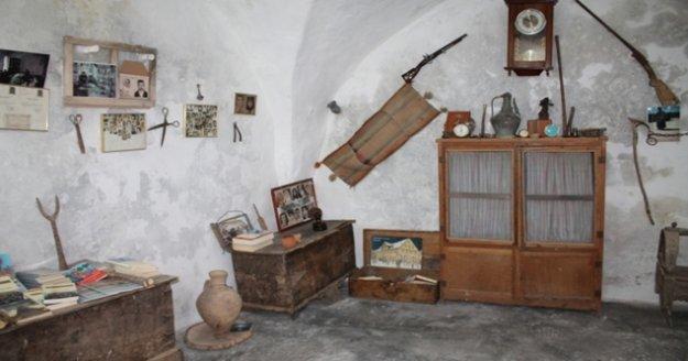 Alanya'da yaşayan Akgül, Mardin'de kendi imkanlarıyla müze açtı