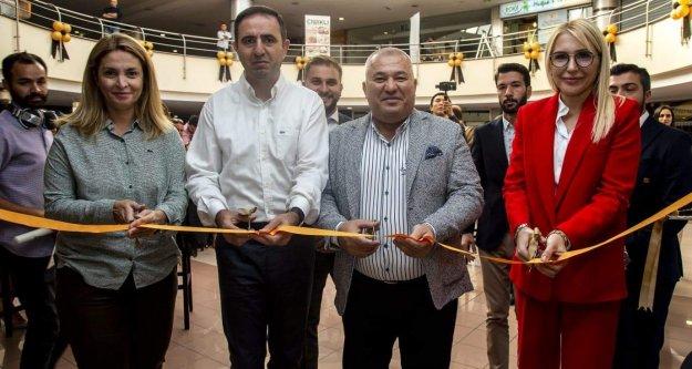 Alanyalı emlakçıdan İstanbul'da şık açılış