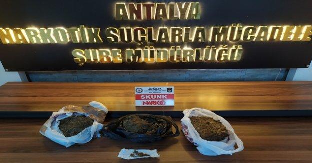 Antalya'da bir zanlı uyuşturucu ticaretinden tutuklandı