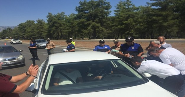 Antalya Polisi, Orman Müdürlüğüyle birlikte vatandaşları bilgilendirdi