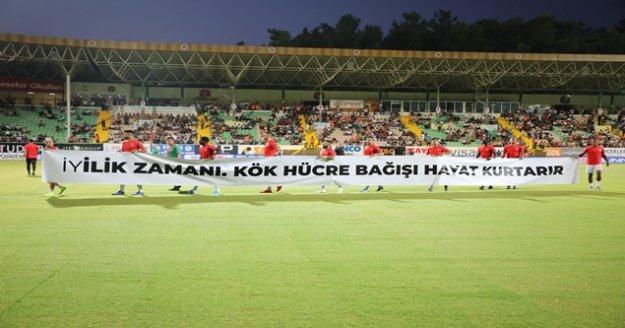 Süper Lig: Aytemiz Alanyaspor: 1- Fenerbahçe: 1 (İlk yarı)