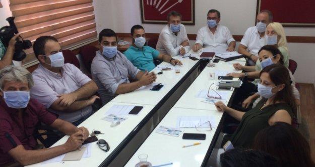 Alanya CHP'den maskeli yönetim kurulu toplantısı