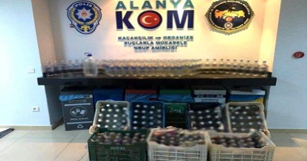 Alanya'da 225 şişe sahte içki ele geçirildi