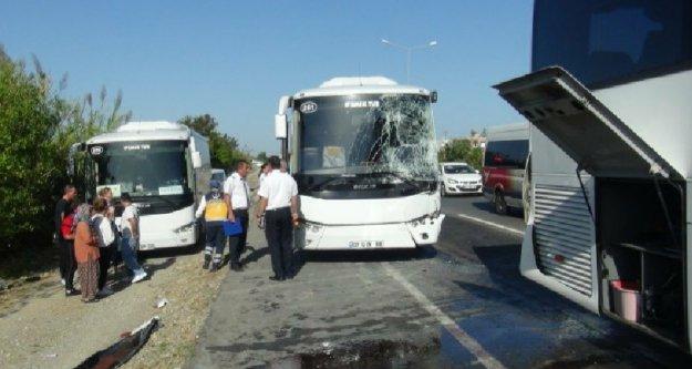 Alanya'ya turist getiren tür otobüsü kaza yaptı