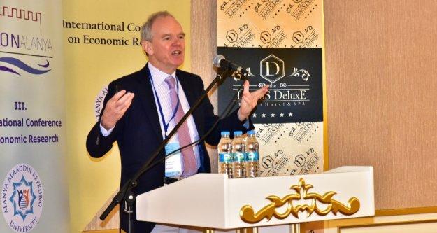 ALKÜ'den uluslararası ekonomi konferansı