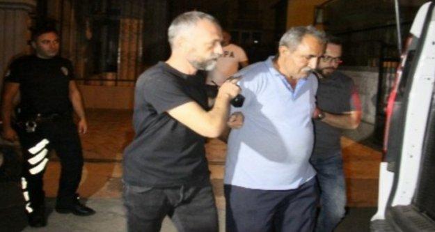 Komşusunu sokak ortasında silahla öldüren zanlı tutuklandı