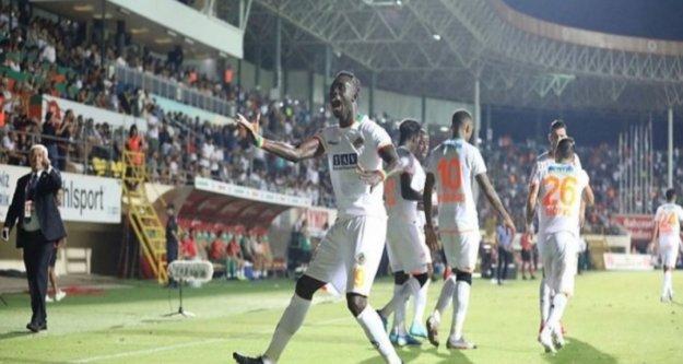 Lider Alanyaspor, Beşiktaş'a konuk oluyor