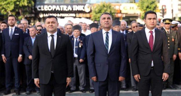 Alanya Atatürk'ü saygıyla andı