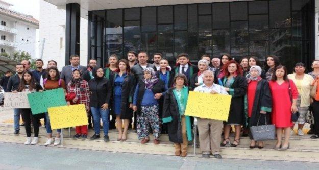 Alanya'da 'Şeytanın eline düştüm' diyerek intihar eden Ayşenur'un babasının isyanı