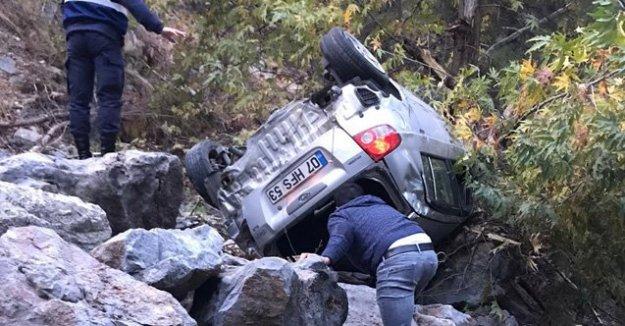 Alanya plakalı araç 70 metrelik uçuruma yuvarlandı: 1 ölü var