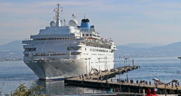 Alanya'ya İngiliz turistler denizden geldi