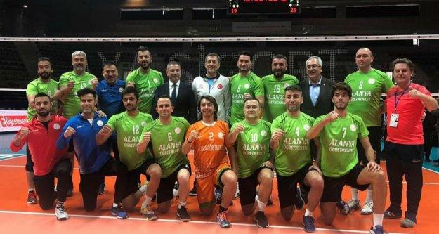 Alanyalı öğretmenler Türkiye şampiyonu oldu