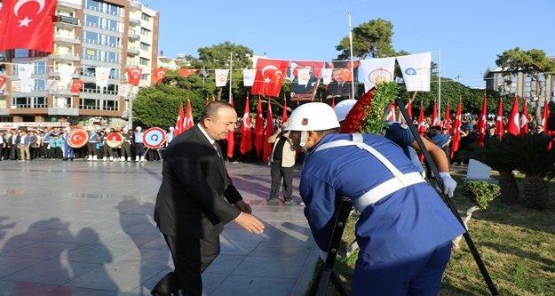 Bakan Çavuşoğlu, Antalya'da Atatürk'ü anma törenine katıldı