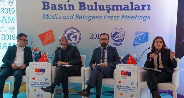 Mülteci konusu Van'da konuşuldu
