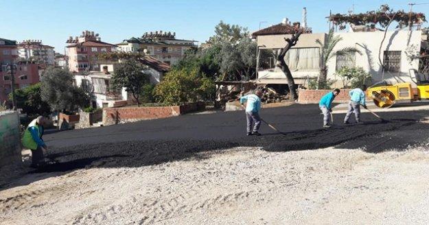 Alanya Belediye yol bakım çalışmalarına devam ediyor