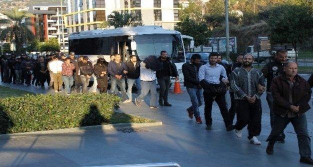 Alanya'da 16 zehir tacirine tutuklama