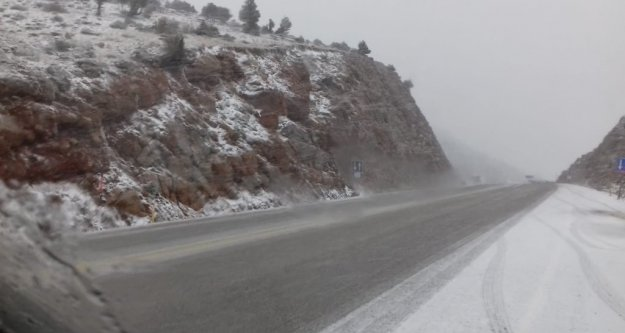 Alanya Konya yolunda kar yağışı başladı