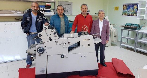 ALMATDER'den eğitime makine desteği