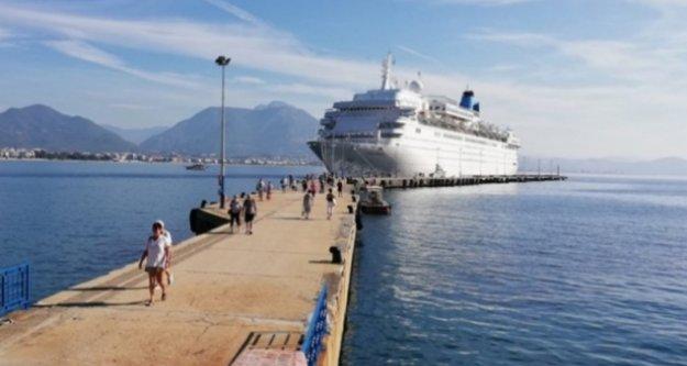 Denizden gelen İngiliz turistler yüz güldürdü