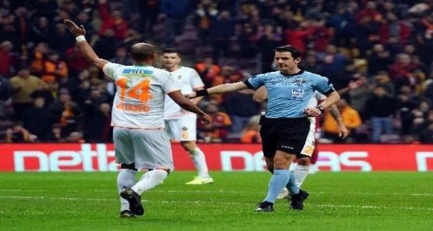 Galatasaray'ı Alanyaspor'un elinden Muslera aldı