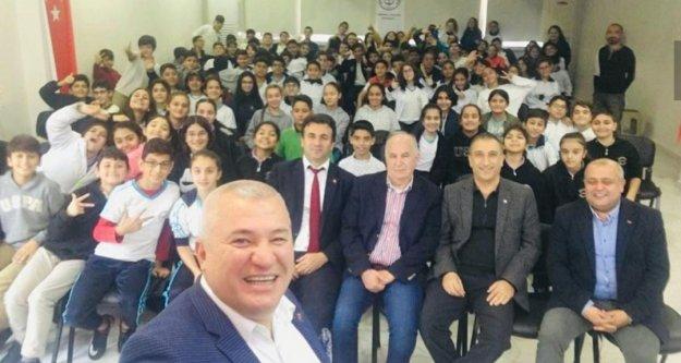 Şahin ve Yenialp 'Kariyer Günleri' etkinliğine katıldı