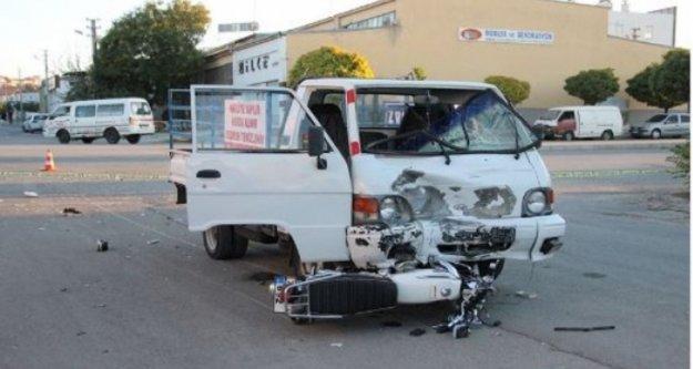 Alanya'da kamyonetle motosiklet çarpıştı: 1 yaralı var