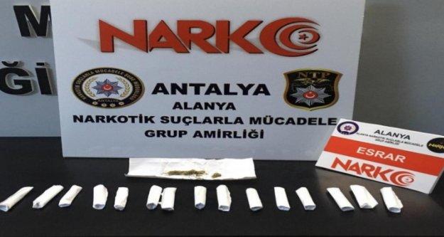 Alanya'da sokakta uyuşturucu avı: 5 gözaltı var