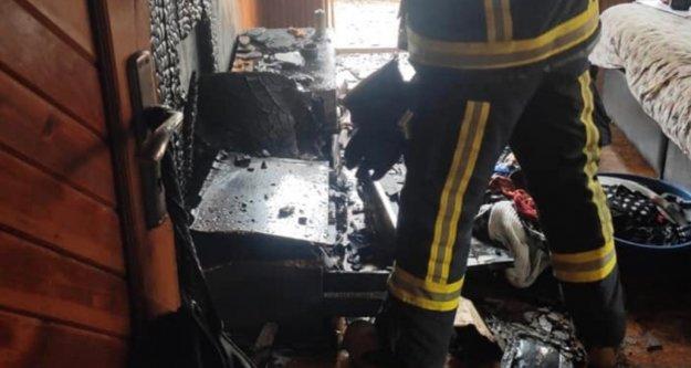 Alanya'daki yangında evdeki eşyalar küle döndü