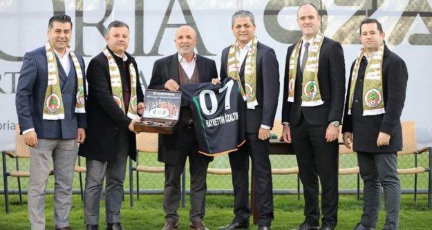 Çavuşoğlu'ndan Özaltın Holding'e teşekkür