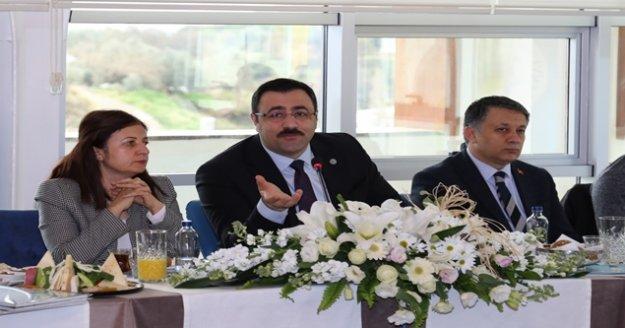 Rektör Prof.Dr.Kalan: ' Güçlü basın güçlü demokrasinin tesisini sağlar'