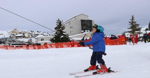 Saklıkent'te kayak sezonu açıldı