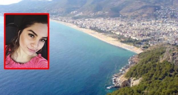 Alanya'da kalenin surlarından düşen genç kız hayatını kaybetti