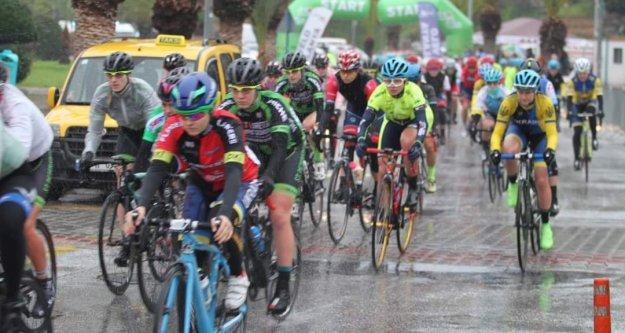 Alanya'da yol yarışlarını kazananlar belli oldu