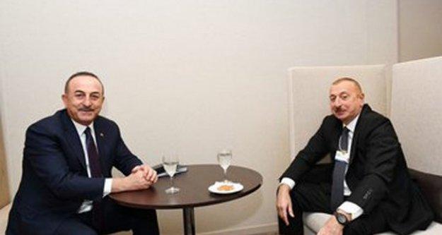 Bakan Çavuşoğlu'na Azerbaycan'dan 'Dostluk' madalyası
