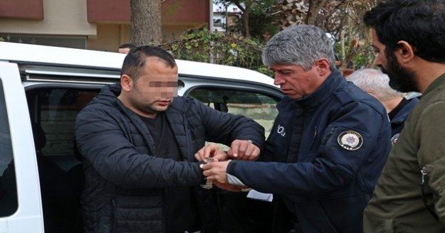 Çalıntı araçla polisten kaçtı, yakalanınca 'kol saatimi cebime koyun' dedi