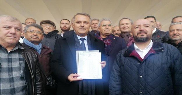 CHP İl Başkanı Bayar, mazbatasını aldı