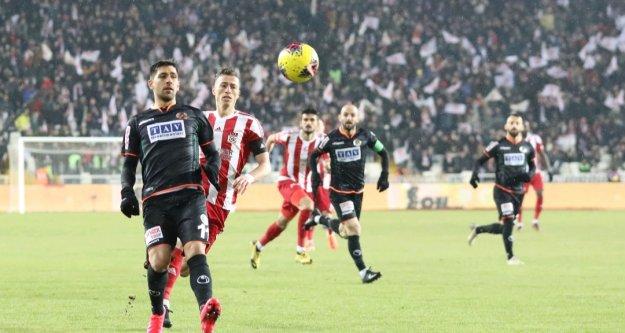 Sivas'da penaltı golüyle yenildik