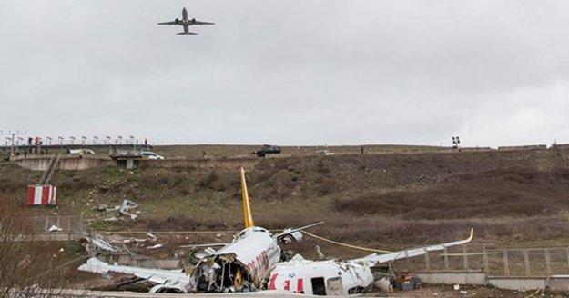 """'Uçak kazalarında 'brace' pozisyonu hayat kurtarıyor"""""""