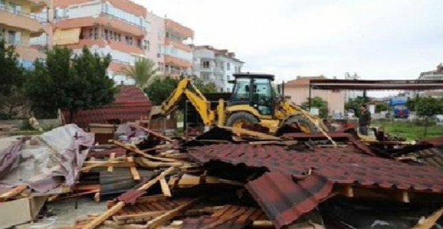 Alanya'da 26 kaçak yapı yıkıldı
