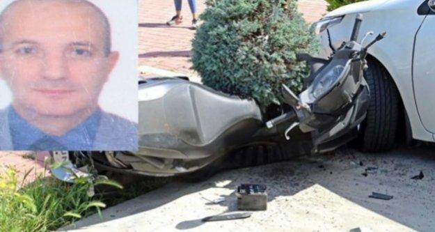 Kamyonetle çarpışan motosikletli müdür hayatını kaybetti