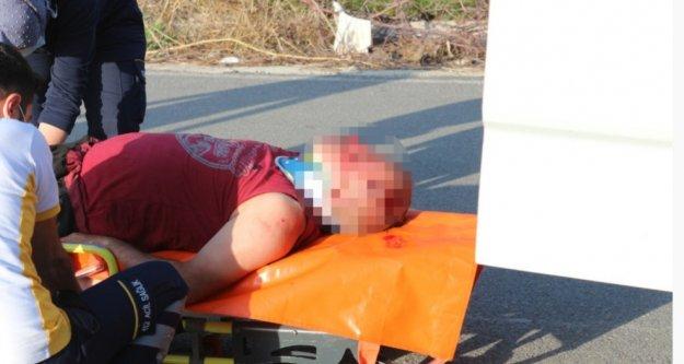 Kendisini taciz eden adamı eve çağırıp kocasıyla birlikte hastanelik etti