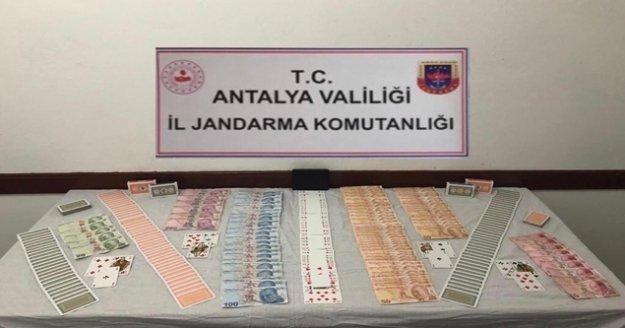Kumar oynayan 7 şahsa 33 bin lira ceza