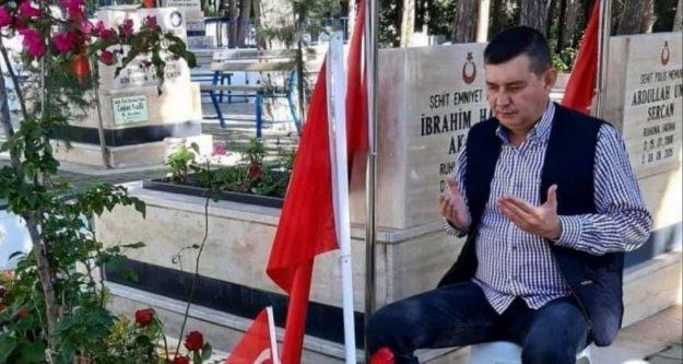 Türkdoğan şehidimizi mezarı başında andı