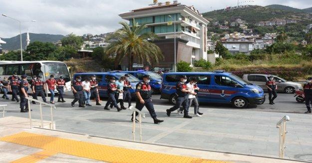 Alanya'da uyuşturucu çetesine 7 tutuklama