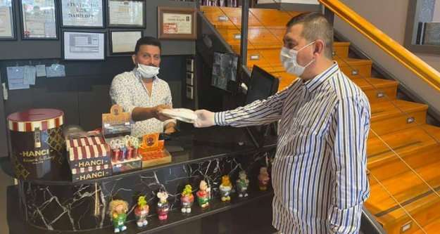 Alanya MHP'den hizmete başlayan esnafa ziyaret