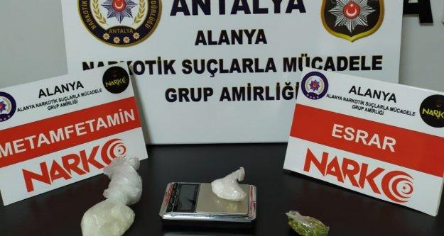 Alanya'ya otomobille uyuşturucu getiren şüpheliler yakalandı