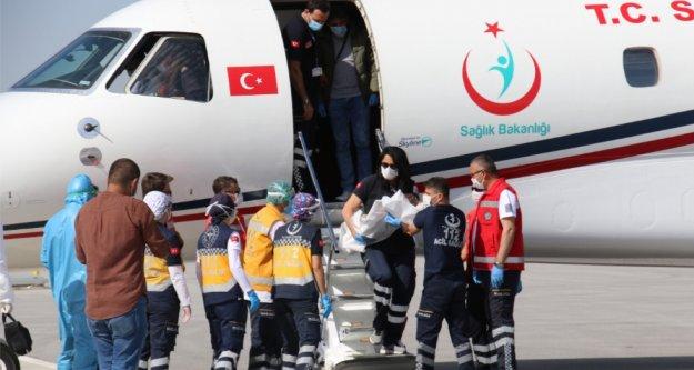 Alanyalı ayrılan siyam ikizler Türkiye'ye döndü
